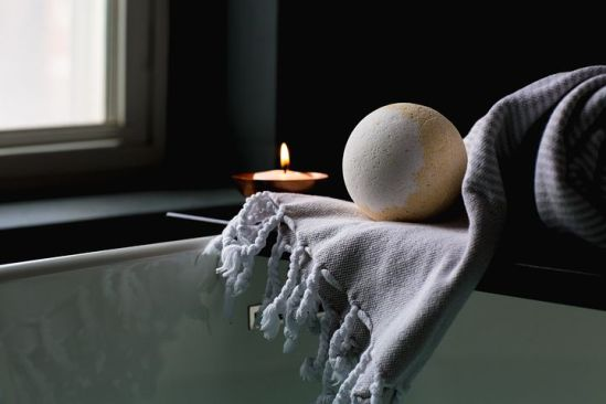 bath-2562225__480